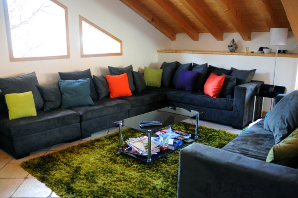 Spacious and very comfortable lounge area at the Loft Mountain Hostel