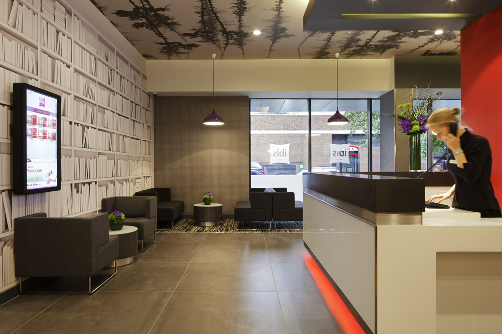 Ibis london shepherds bush review for Design hotel reception