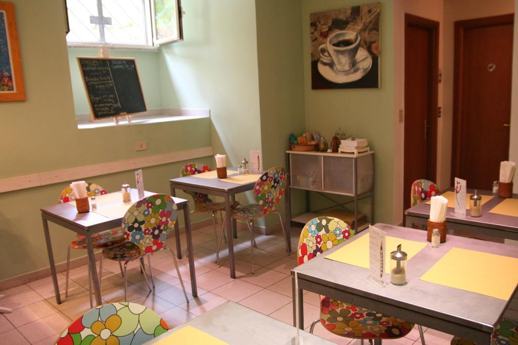 Organic Vegetarian Cafe, The Beehive Rome