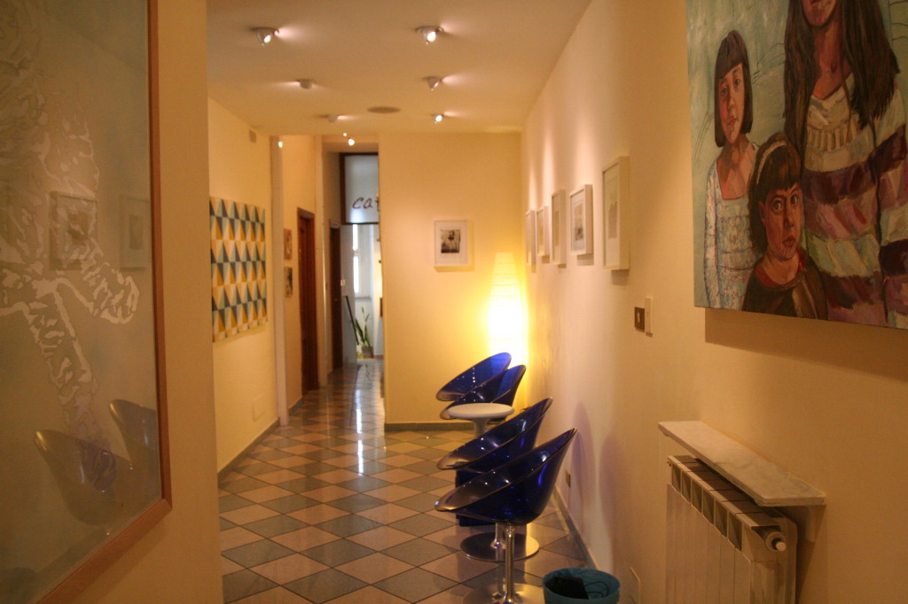Reception and hallway, The Beehive, Rome. Photos courtesy of the Beehive.