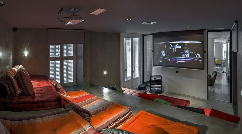 Cinema Room, U Hostels