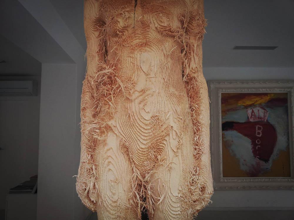Contemporary lifesize wooden figurine Pietrasanta Versilia