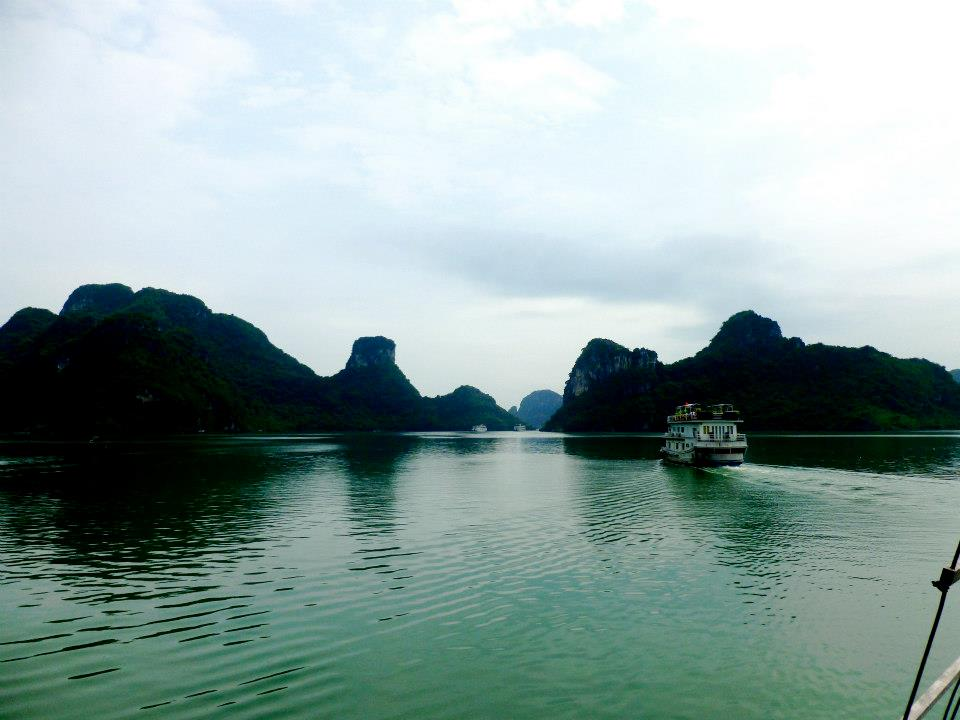 Explore Ha Long Bay by junk boat