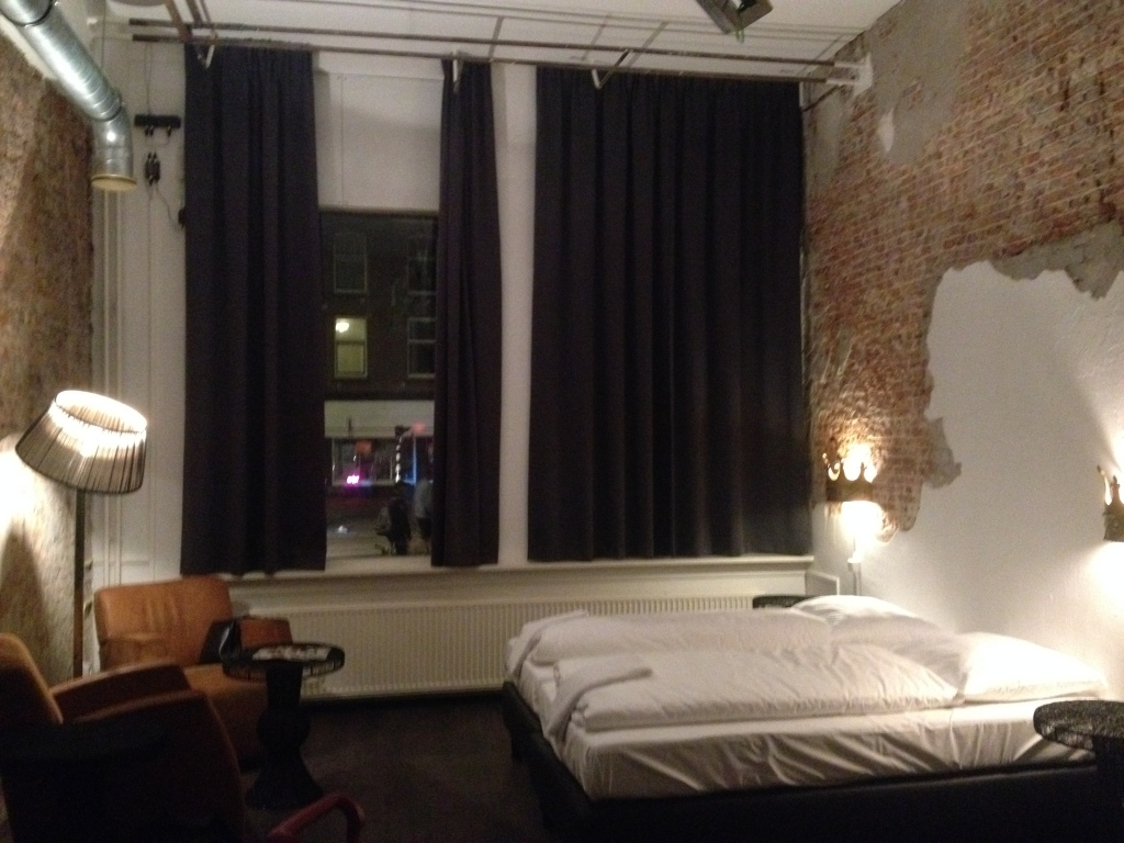 Royal Suite. Kingcool Hostel
