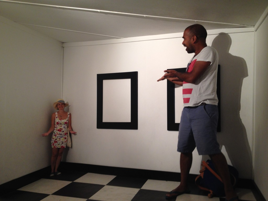 Hilarious optical illusions at the Santa Cruz and the Science and Cosmos Museum