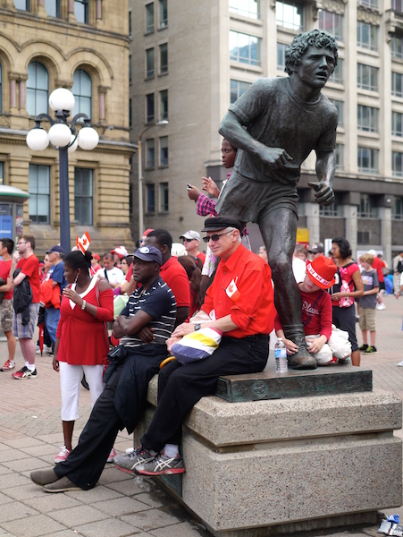 Statue of Terry Fox.