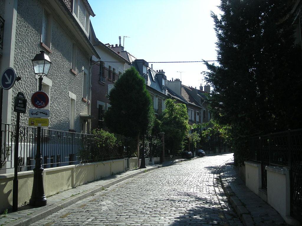 Une_des_rues_de_la_Campagne_à_Paris_08