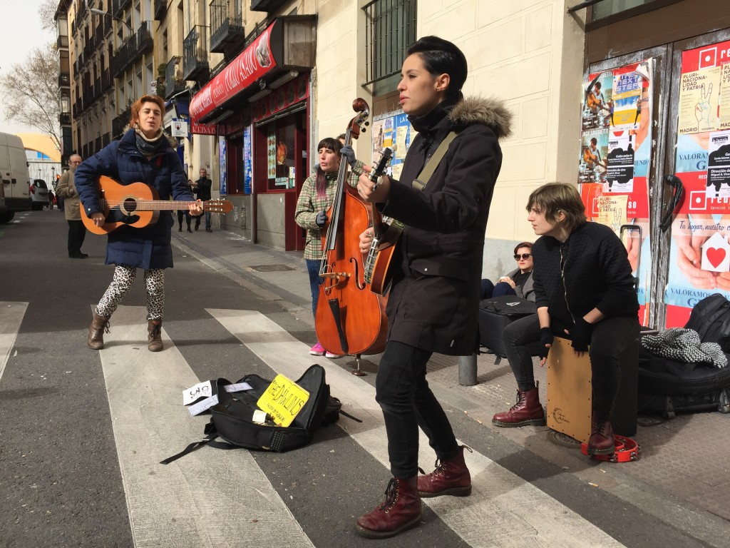 Busking at the El Rastro