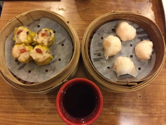 Delicious dimsum at the world's most affordable michelin star restaurant , Tim Ho Wan