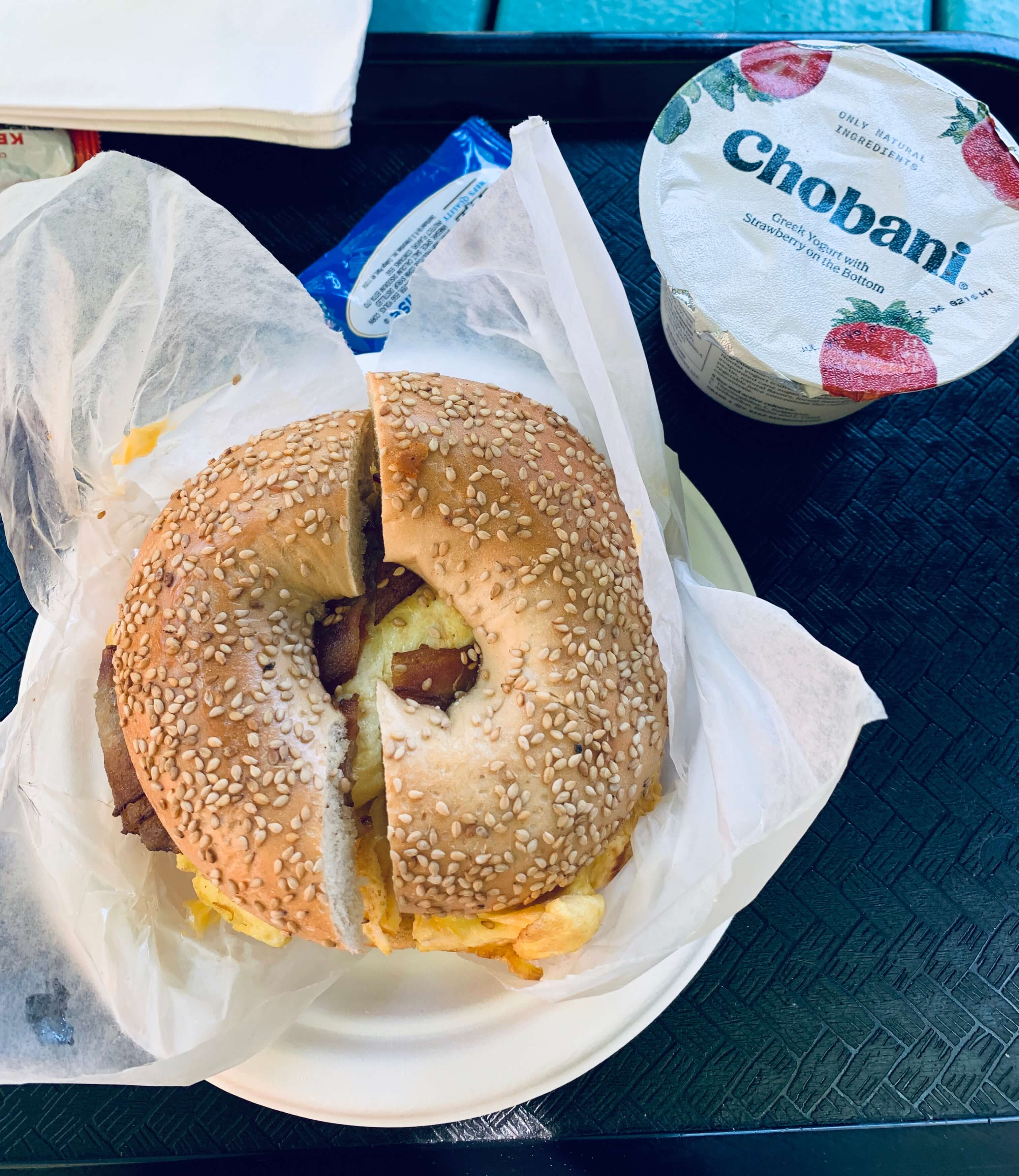 Bacon-and-egg-bagels-breakfast-HI-NYC-hostel